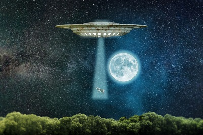 image of a ufo abduction to illustrate the absurd notion that drugs hijack the brain